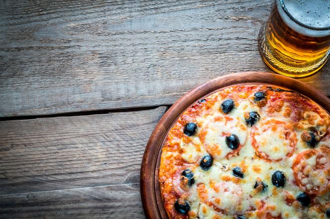 San Miguel 1516 y pizza bávara, pureza y tradición para los amantes de la cerveza
