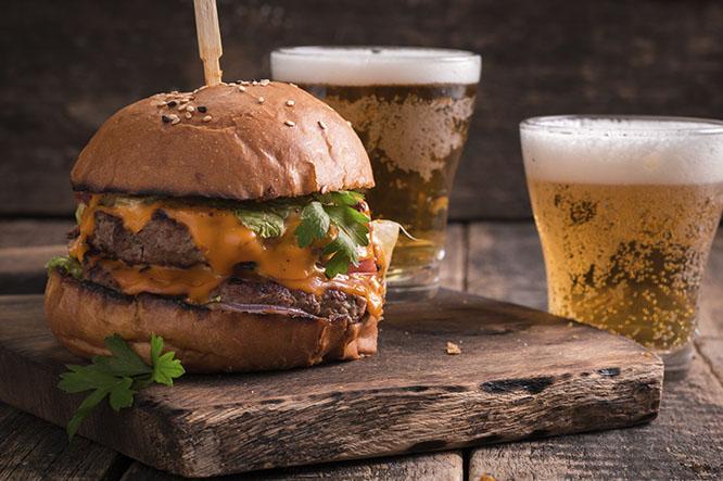 Manila de San Miguel y hamburguesa Little Italy ¡Mamma mia!