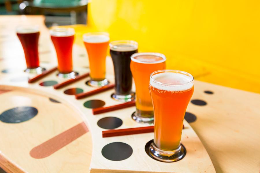 catas en casa cerveza, catas cerveza, aprender a catar cerveza, como organizar una cata de cerveza, como organizar en casa una cata de cerveza, probar diferentes cervezas, sabor de las ipa, sabor de la cerveza, como distinguir sabor de la cerveza, sabores de cada cerveza, quiero saber más de cerveza, catar cerveza, catando cerveza, catas en casa amigos, maridaje en casa para catas cerveza
